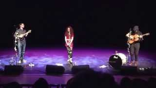 Janet Devlin - Whiskey Lullabies (Suantrai Meisciuil) (Live in Omagh 23/12/14)