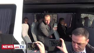 Կարեն Կարապետյանը, Վովա Գասպարյանն ու մյուսները «Եռաբլուր» են եկել միկրոավտոբուսով