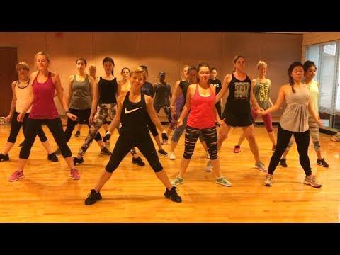 """DESPACITO"" Luis Fonsi, Daddy Yankee, Justin Bieber - Dance Fitness Workout Valeo Club"