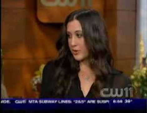 Vanessa Carlton Performs Ordinary Day Live
