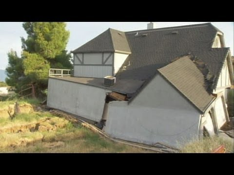 California Neighborhood Sinking Into the Earth