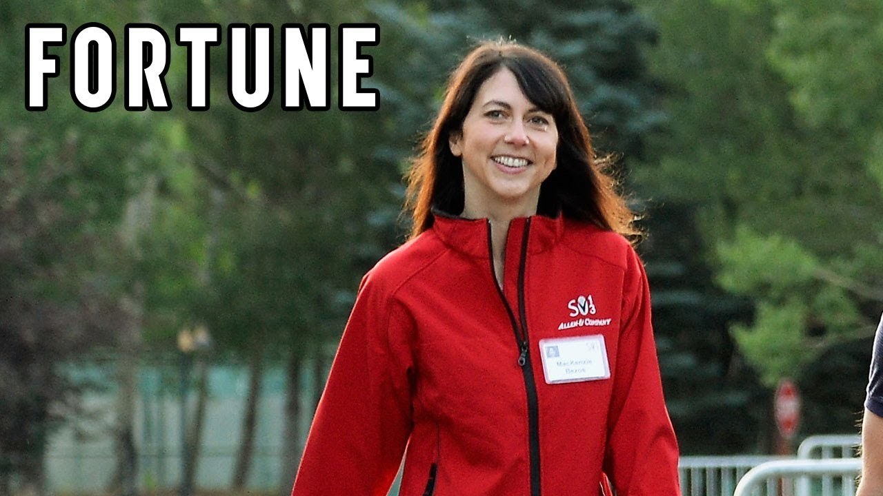 MacKenzie Bezos is now the world's third-richest woman