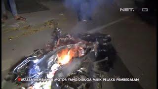 Detik-detik Motor Pemilik Pelaku Begal Hangus Dibakar Warga - 86