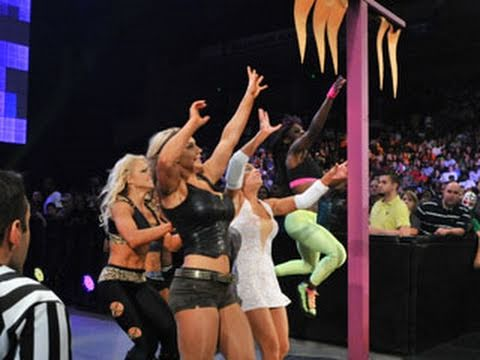 WWE NXT: NXT Rookie Diva Challenge - Capture the Flags Race