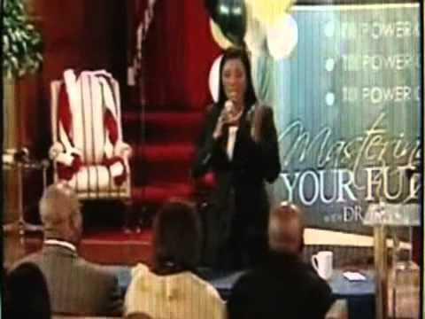 Juanita Bynum & Her $5,000 Pen!  - CHARLATANS