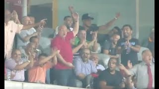 رقص وفرحة لمؤمن زكريا وأحمد الشيخ مع جماهير الأهلي بعد الفوز على الزمالك