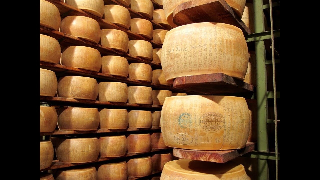 how to cut parmigiano reggiano