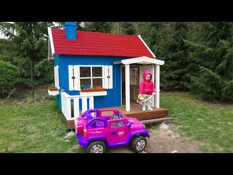Elis and New Playhouse, Beautiful toys for girls