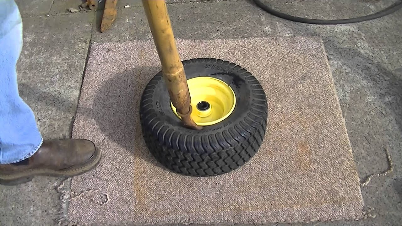 Breaking A Tire Bead Youtube