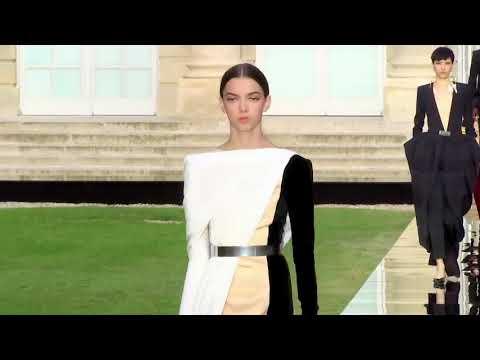 Givenchy Paris Haute Couture FW18-19