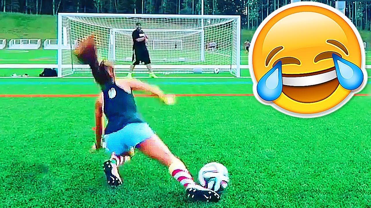 FOOTBALL FUNNY VIDEOS #90 WOMEN SOCCER GIRLS FAILS COMIC ...