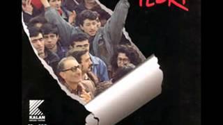 Gambar cover Grup YORUM - Dersim'de Doğan Güneş