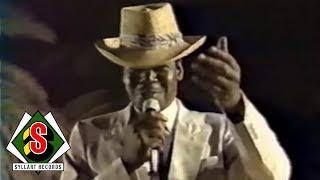 Africando - Lakh Bi (feat. Pape Seck) [Live version]