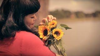 Hoa Vàng Ngày Xưa - Âu Bảo Ngân (Official Music Video)
