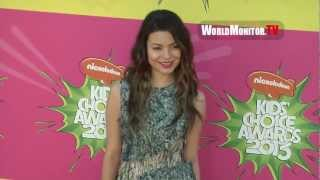 Miranda Cosgrove so gorgeous arrives at Nickelodeon Kids