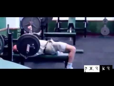 Смешные падения спортсменов со штангой - Видео