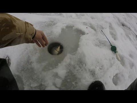 Ловля карася зимой на пруду. Рыбалка в январе 2017г. Ловля на мормышку