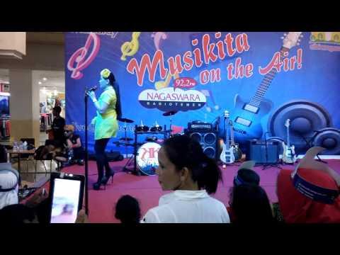 Helsi Herlinda Live Musikita Mall Cibinong Bogor