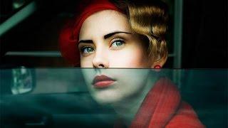 Дтпешечка, обочечники, девушка в красном.