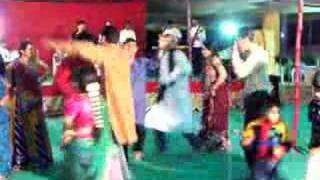 Dancing at a Wedding in Gujarat, India - The finale