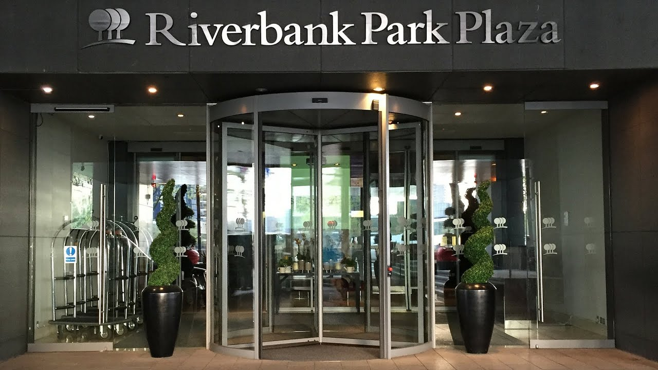 Breakfast and Executive Lounge stay at the Park Plaza