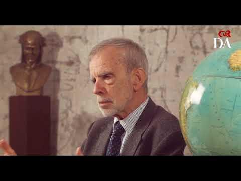 Accademia della Crusca - video ufficiale 2012 from YouTube · Duration:  7 minutes 30 seconds