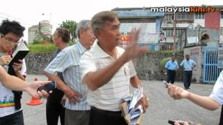 法轮功组织拜会新院遭驱赶 华教人士激动撕毁文件逐客