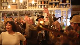 Bubamara Brass Band - открытие ресторана Никола Тесла 29.09.2015(видео: Роман Колосов., 2015-10-05T14:24:13.000Z)
