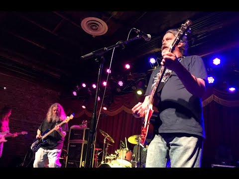 Meat Puppets - Up On The Sun (longer version)  5/9/19 mp3