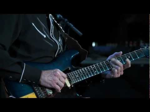 "Phil Emmanuel Band ""Live"" 2012 - Chariots Of Fire"