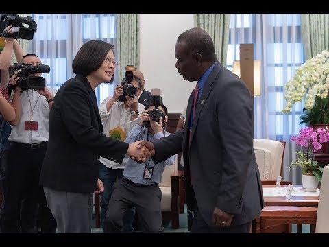 20190909 總統接見「索羅門群島外交暨對外貿易部長馬內列夫婦」