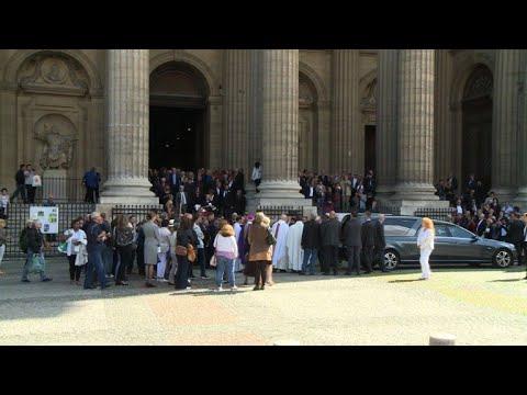 Obsèques à Paris de l'actrice Mireille Darc
