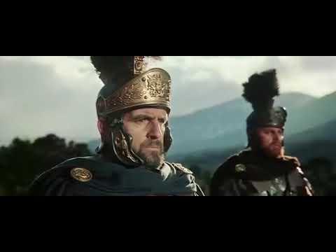 Сражение в лесу между римлянами и варварами. Эпизод фильма