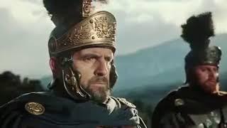 """Сражение в лесу между римлянами и варварами. Эпизод фильма """"Падение Римской Империи"""" (1964)("""