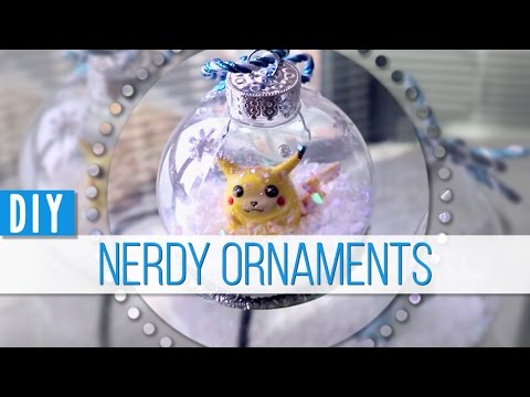 Nerdy DIY Snow Globe Ornaments || MangoSirene