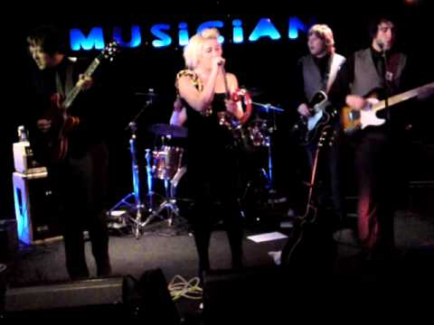 Charlie and the Martyrs, Musician, Leicester, 14 01 11 (2).MP4