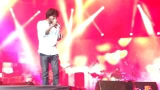 Sooraj Santhosh-singing munbe vaa.Rag Rang Event.on Bloomver.12