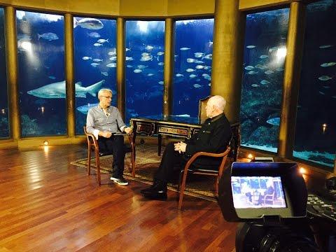 Entrevista de Javier Vizoso con Jesús López Cobos en el fondo del mar...