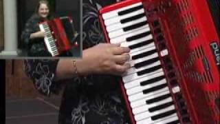 Beer Barrel Polka by Shelia Lee on Roland FR 7 Accordion