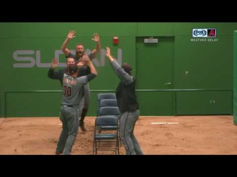 Cubs, Diamondbacks have a dance off