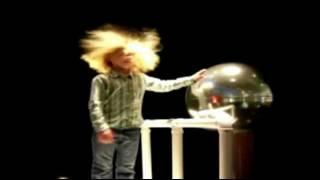 видео Генератор высокого напряжения Ван-де-Граафа