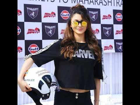 Beauty in black #UrvashiRautela ❤