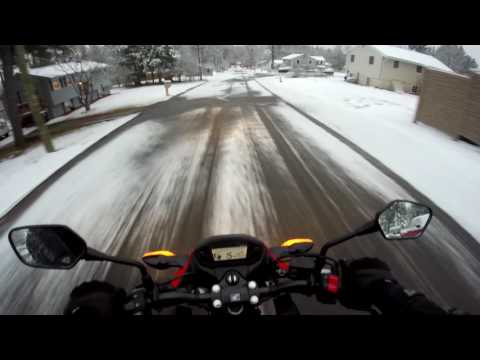 CB300F in the snow (crash)
