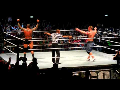 John Cena si Randy Orton in Romania la Polivalenta!