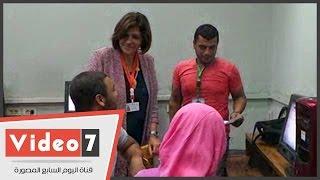 عميدة آداب عين شمس تتفقد معامل التنسيق لمتابعة تسجيل رغبات الطلاب