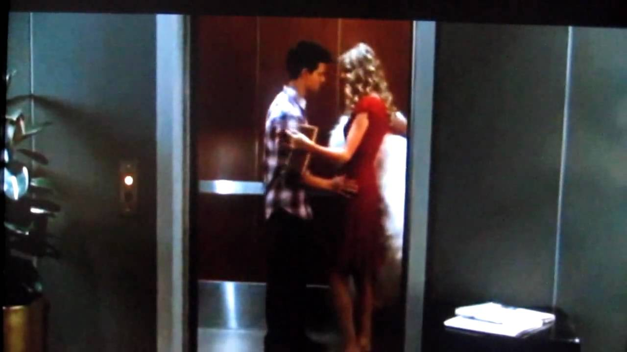 Taylor Lautner Taylor Swift Kissing Scene In Valentines Day