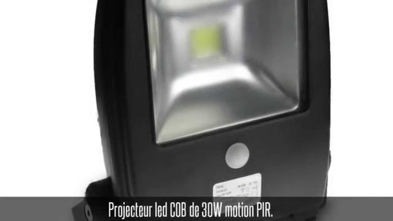projecteur led avec d tecteur de mouvement et. Black Bedroom Furniture Sets. Home Design Ideas