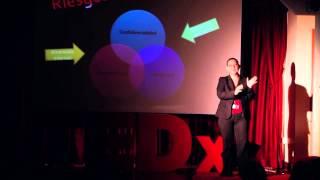 Hackers y otros mitos sobre la seguridad | Karina Astudillo | TEDxPenas
