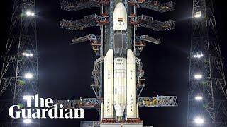 لاكتشاف جانبه الغامض..الهند تطلق مركبة فضائية إلى القمر.. فيديو