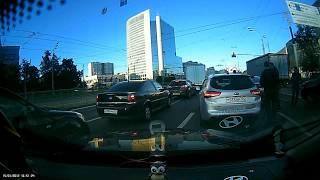 Смотреть видео ДТП 17.09.2018 06:40 г.Москва, ул. Большая Черкизовская, д.1к1 онлайн